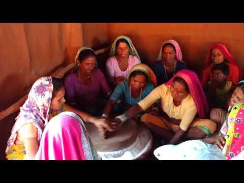 Women in Nandurbar Sing a traditional Folk Song