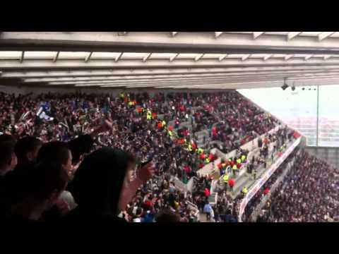 NUFC fans singing Blaydon Races