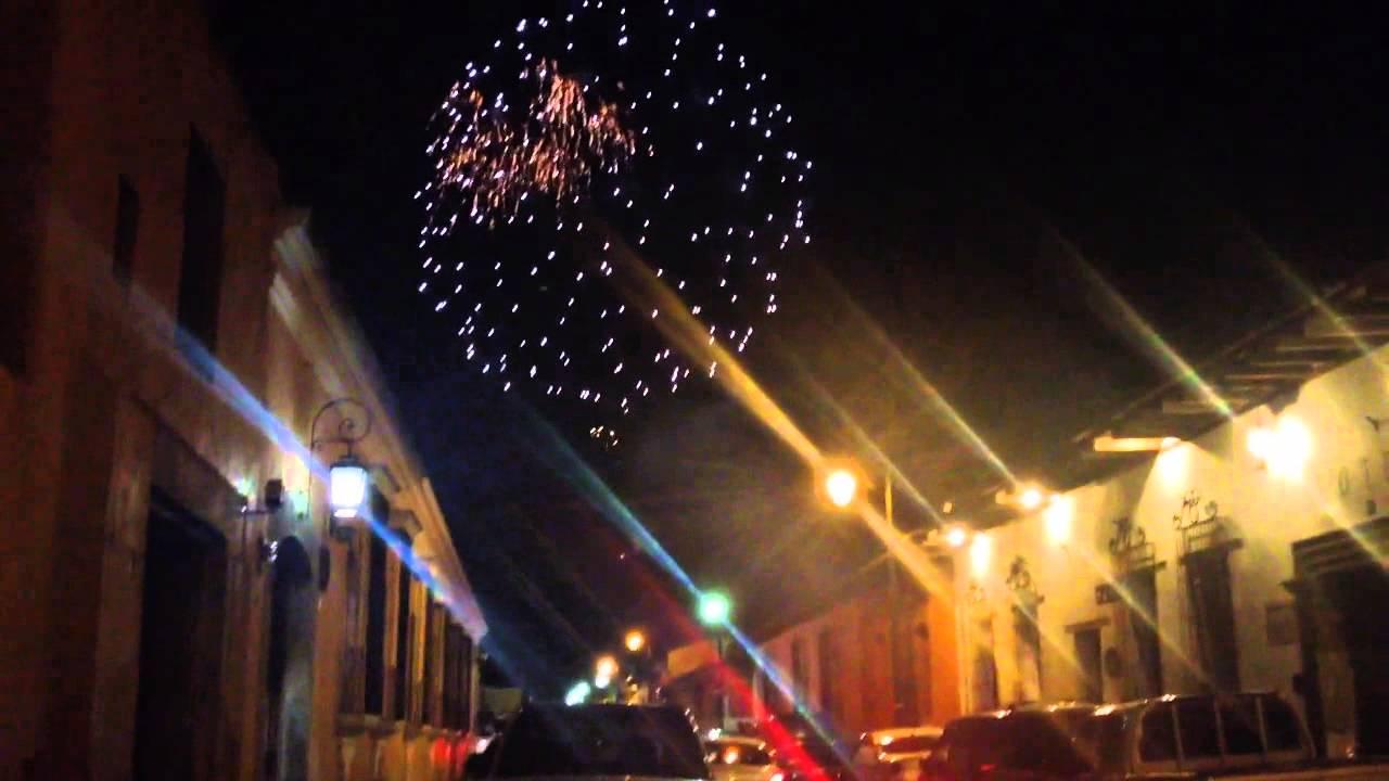 Fuegos Artificiales En Antigua Guatemala Youtube