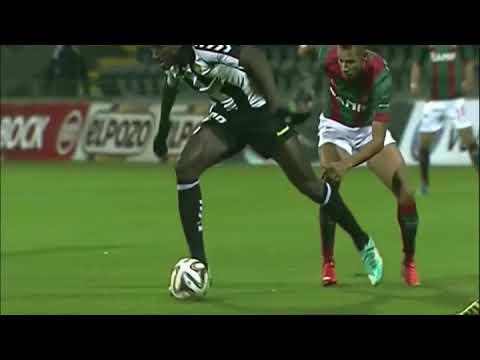 بي_بي_سي_ترندينغ: لاعب كرة مصري محترف يتعرض لتعليقات -عنصرية- من المصريين #مصر #كرة_القدم  - نشر قبل 1 ساعة