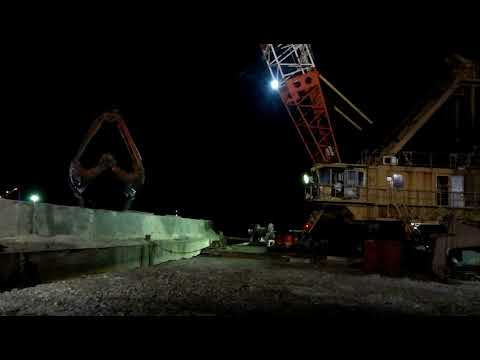 200ton SUMITOMO DREDGING IN MIDNIGHT WITH GPS from DJENDJEN PORT ALGERIA