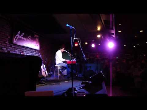 Kasim Sulton- Love Alone (Live)