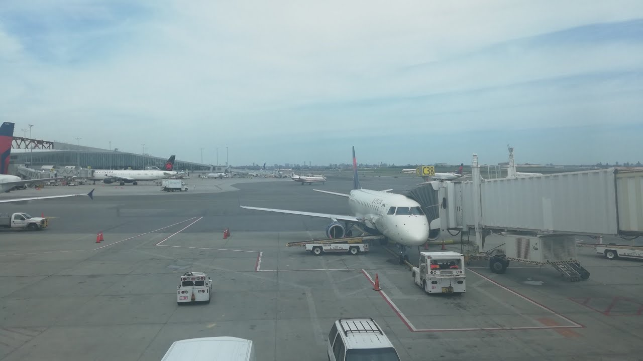 LGA airport timelapse | Delta airlines turnaround | New York city airport | preview