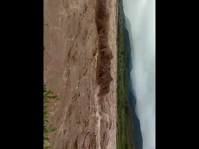 Las Estancias: Crece el cuadal de los ríos
