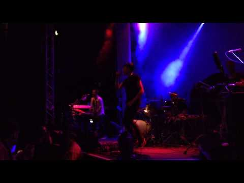 Swiss Lips - Carolyn (O2 Academy, Leeds) [21-10-13]