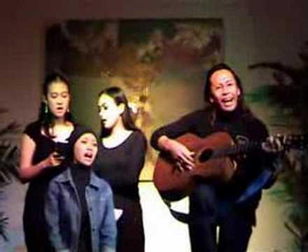 Bulan Separuh Bayang - Konser Rakyat Leo Kristi