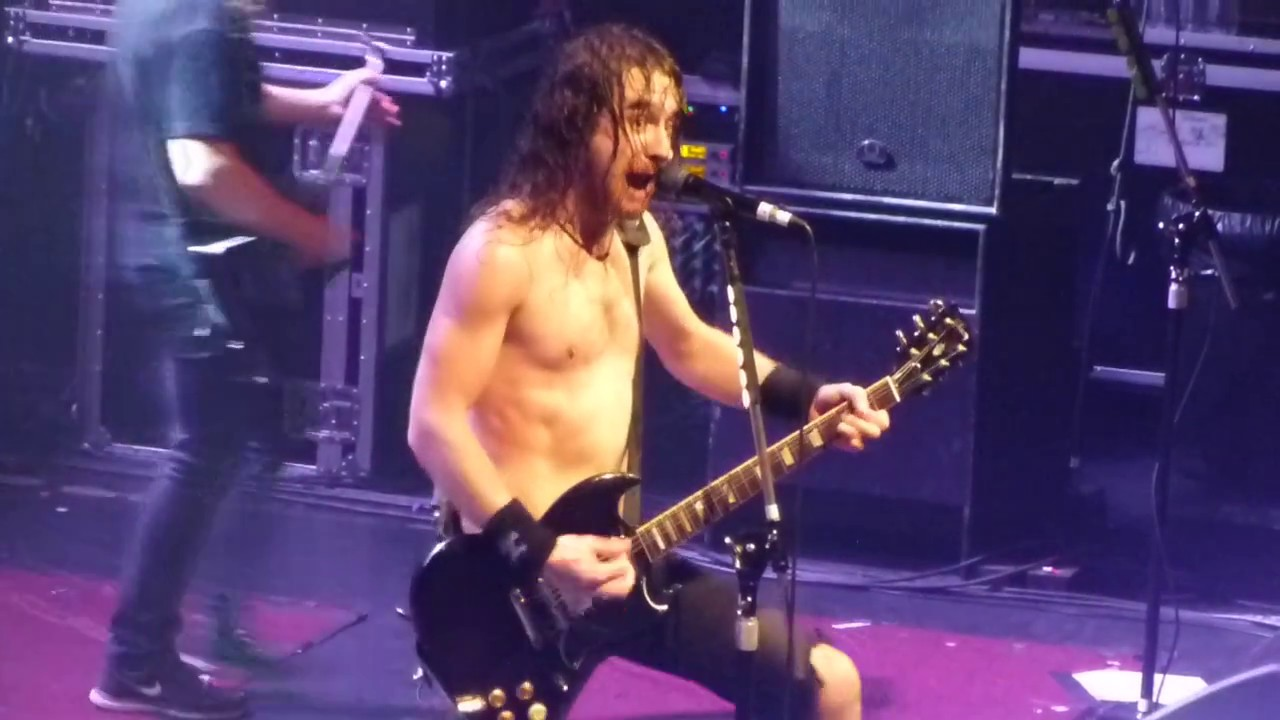 airbourne-down-on-you-manchester-o2-ritz-2016-captainwiggles84