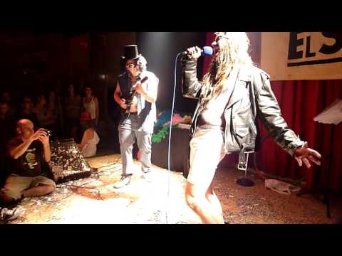 "Manolito Metal y Rigodon cantan ""You Could Be Mine"" en AK Madrid Julio 2009"