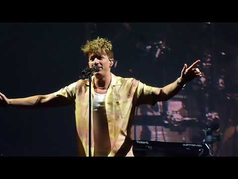 Charlie Puth - The Way I Am (2018 Voicenotes Tour W/ Hailee Steinfeld - Boston, MA)