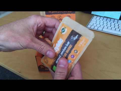 Unboxing BodyMe Orange choc organic protein bar