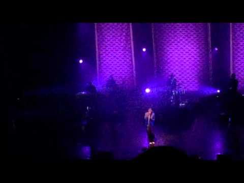 Leon Bridges Concert - So Long