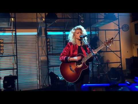 Tori Kelly - Hollow (live)