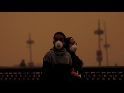 شاهد: عاصفة رملية تجتاح مصر وتشل حركة الطيران والموانئ  - نشر قبل 3 ساعة