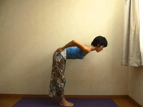 立位体前屈を本気でやってみた お腹が痩せる ヒップアップ 引き締め 骨盤調整 ヨガ yoga uttanasana