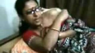 vuclip Hot desi aunty dance