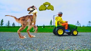 Senya runs away from the Little Dinosaur