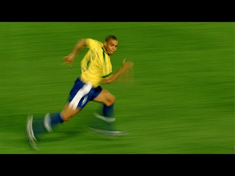 Legendary Sprints in Football - ArtSoccer Official