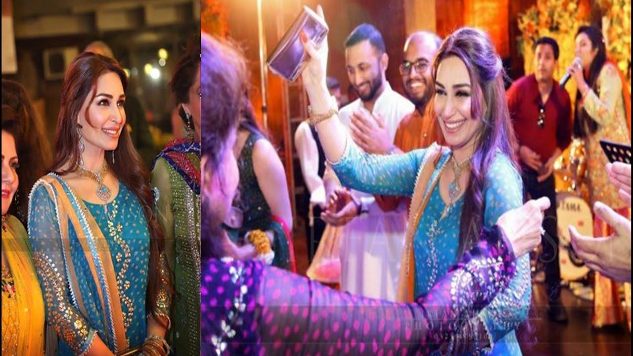 Beautiful Reema Khan Spotted In A Wedding Last Night