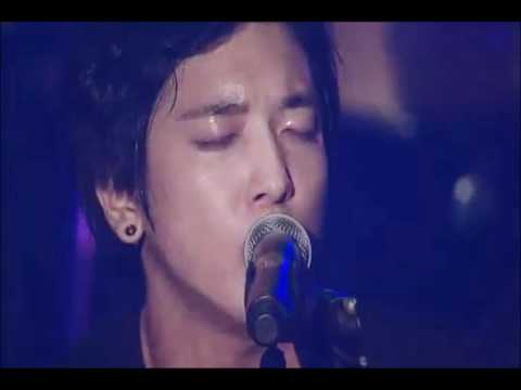 Cnblue Live- I DON'T KNOW WHY- Bluestorm Concert