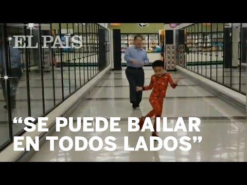 El baile viral de un niño con su abuelo en un supermercado el día antes de su operación