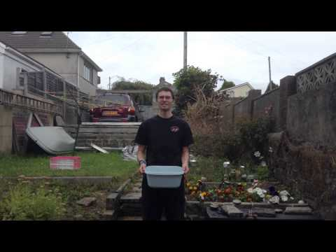 Parker does the Ice Bucket Challenge
