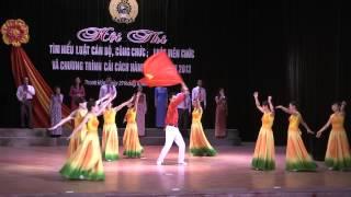 Lá cờ Đảng của Nhạc sỹ Văn An do tốp ca múa Sở LĐTBXH Thanh Hóa biễu diễn
