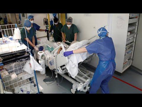 Coronavirus: 833 nouveaux décès en 24 heures en France, bilan en forte hausse