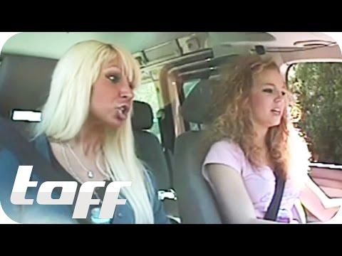 Mimi und Pinar machen den Führerschein  taff