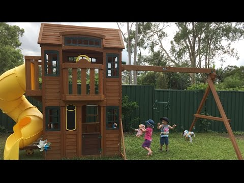 The Twins Climbing Frame (Time Lapse & Twins First Play)