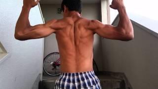 友達のムキムキなシブ太郎の筋肉をおみせしましょう。