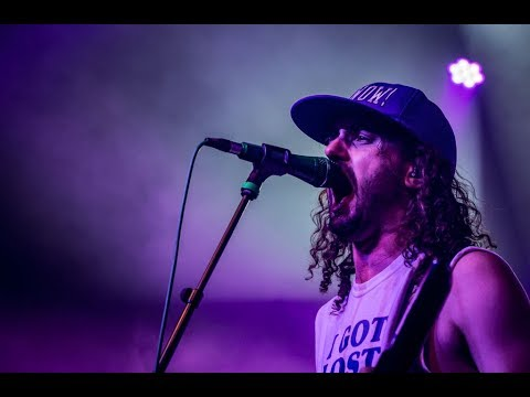 Download ALESTORM - Magnetic North - (HQ sound live)