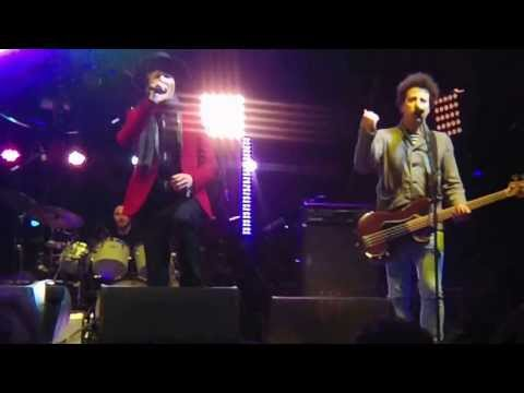 Beck - Qué Onda Güero - Live in San Francisco, Treasure Island Music Festival 2013