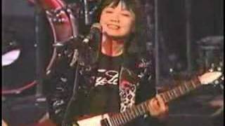 Shonen Knife - Twist Barbie (Live)