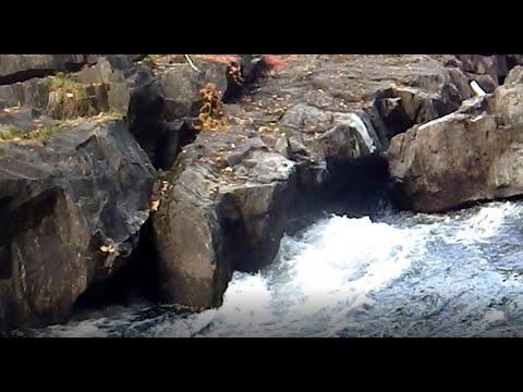 Near Disaster On Faraday Lake - Rockhounding In Ontario