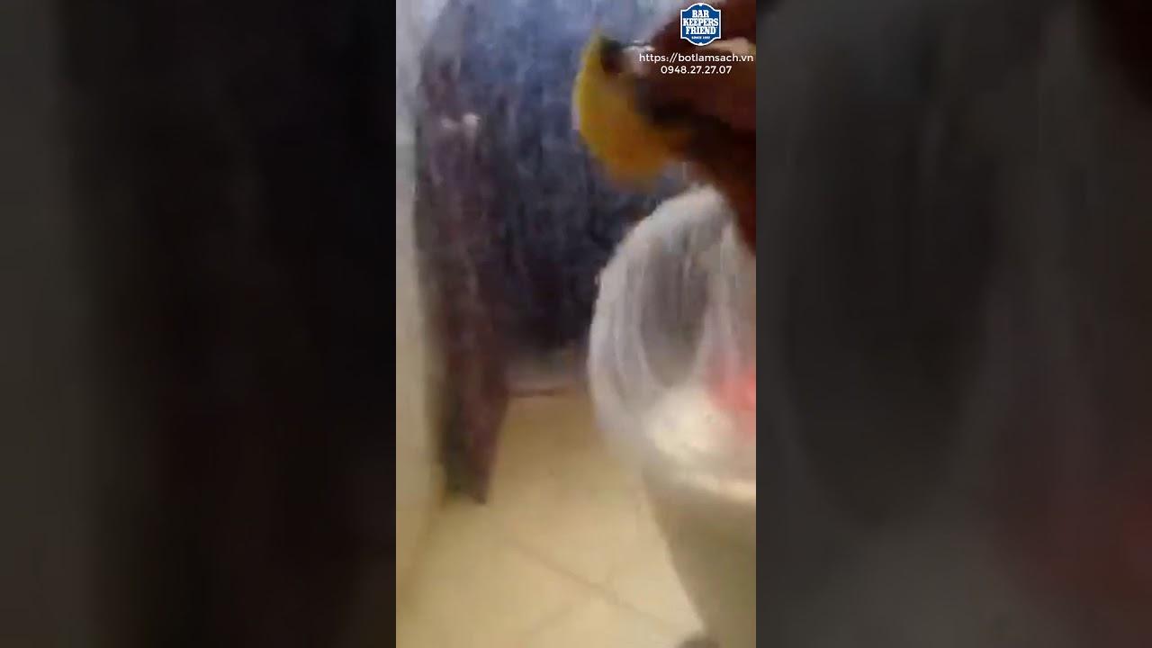 Cách làm sạch kính Phòng Tắm, kính ố cặn canxi chỉ với 60 giây!