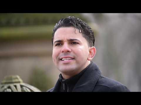 En Sus Brazos - Edwin Jaquez - Video Oficial | Música Cristiana