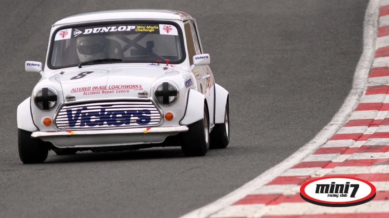 Mini Miglia Mini Se7en Racing At Brands Hatch Gp Youtube