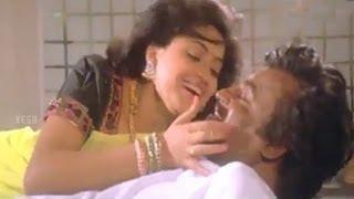Mannan–மன்னன் Tamil Movie Songs | Adikuthu Kuliru Video Song | Rajinikanth | VEGA