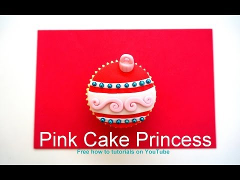 christmas-cupcakes---how-to-make-a-christmas-bauble-cupcake-or-ball-ornament-cupcake