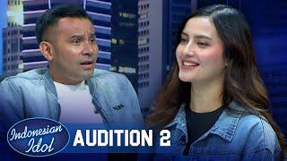 Download lagu Dibalik Parasnya yang Cantik, Femila Bisa Menyanyikan Lagu Karo - Indonesian Idol 2021