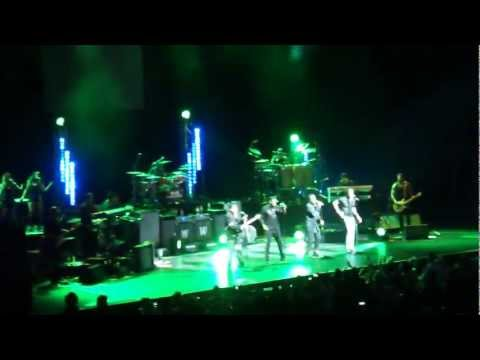 The Jacksons - Wanna Be Starting Something (Perth) 14/03/2013