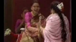 14 Asha Bhonsle & RD Burman Live at THE ROYAL ALBERT HALL 14 PARDE MEIN REHNE DO