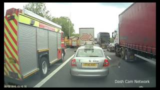 HGV blocks Fire Engines on Hard Shoulder (M62 Lorry Crash)