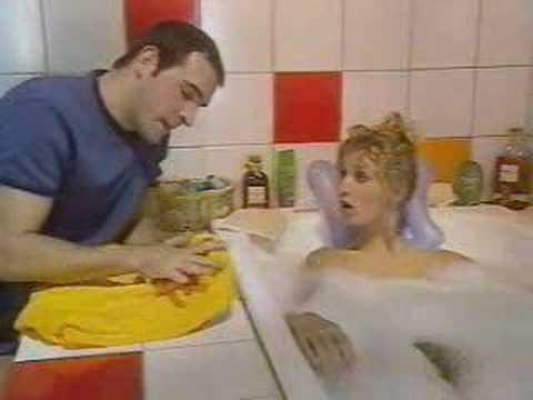1 un gars une fille dans la salle de bain a youtube for Un gars une fille dans la salle de bain