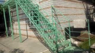 Лестница из металлической, профильной трубы. Ступени из просечного листа. Ступени из просечки.(Лестница из металлической, профильной трубы. Ступени из просечного листа., 2015-12-04T19:25:57.000Z)