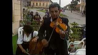 Sinka Sándor muzsikál Felcsíkról, Csíkszentdomokosból 1997-ben. Musica traditional de Transsilvania.