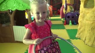 День Рождения Вероники. Маша и Медведь поздравляют Вероничку. Video for kids