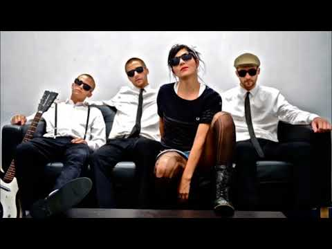 The Interrupters - She's Kerosene LYRICS