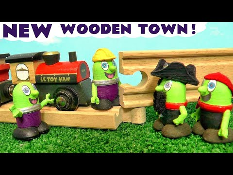 The Funlings Build The Le Toy Van Wooden Toy Train Set
