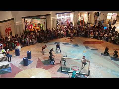 Performance in Mall of Emirates